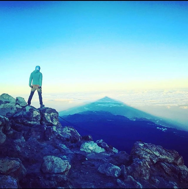 Sunrise on Teide top. Gregorios wanderfamily Teneriffa. Victor Camejo