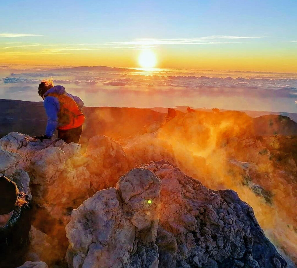 Teide top sunrise. Amanecer en el Teide. Sonneaufgang. Gregorios Tenerife trekking